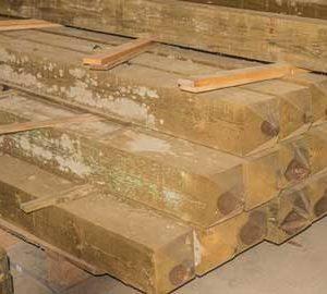poteaux-de-barriere-en-bois