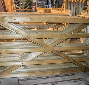 barriere-en-bois-dessus-plat